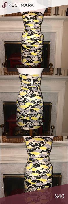 Banana Republic STUNNING strapless dress. Sz. 8 Banana Republic STUNNING strapless dress. Sz. 8. Beautiful geometric print Banana Republic Dresses