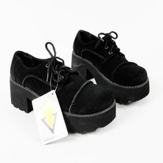 NWT $69 VOLATILE club kid cyber BLACK SUEDE leather LACE UP chunky PLATFORM 8.5 $39.99