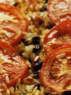 pilafi-ala-gemista Greek Recipes, Wine Recipes, Greek Cooking, Rice Dishes, Spanakopita, Food And Drink, Lunch, Vegan, Vegetables