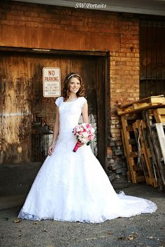 Different Styles Of Wedding Dresses. There are several designs of bridal gown, practically as many styles of wedding dresses as there are shapes of women. Modest Wedding Gowns, Country Wedding Dresses, Dream Wedding Dresses, Modest Dresses, Bridal Gowns, Lds, Wedding Bride, Wedding Stuff, Wedding Ideas