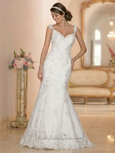 Fit and Flare Sweetheart Lace Appliques Wedding Dresses with Deep V-back