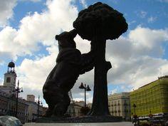 Madrid - Puerta del Sol - El Oso y el Madroño