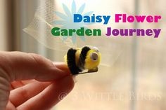 For more resources on the Daisy Flower Garden Journey check out previous sessions. Session One Session Two Session Three Session Four Session Five and Take Action Project Garden Party We are on our way through the flower garden journey! The girls w Daisy Journey Ideas, Journey Girls, Girl Scout Swap, Girl Scout Troop, Girl Scout Promise, Daisy Patches, Girl Scout Activities, Mighty Girl, Daisy Girl Scouts