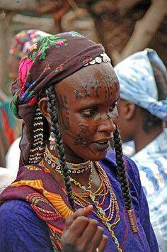 cerca de africa escarificacion africana mbororo etnias camerun