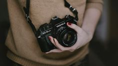 Chelsea Shoots People: 250+ Incredible Photography Tutorials That Bridge The Gap Between Amateur And Pro