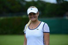 A happy Aleksandra Wozniak after her win today. I'm hoping for a huge smile tomorrow.  @alekswoz   @Tennis_Canada pic.twitter.com/VwE7VqqmO0