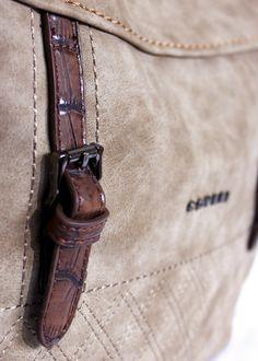 c0488b49f bolso vintage coveri Bolsos Vintage, Tachas, Charol, Tendencias, Vestido De  Hombres,
