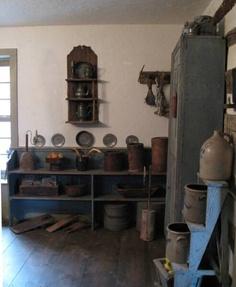 Wonderful crocks and pots Primitive Home Decorating, Primitive Homes, Primitive Kitchen, Primitive Antiques, Farmhouse Style Decorating, Farmhouse Decor, Primitive Country, Primitive Decor, Colonial Kitchen