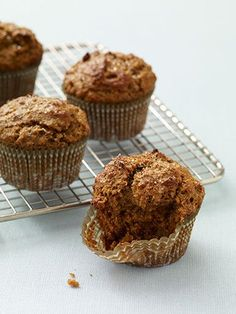 Bran Muffins: High in fiber and whole grains without a lot of added sugar, these yummy treats are the perfect breakfast food, snack option, and even dessert choice #summer #healthy