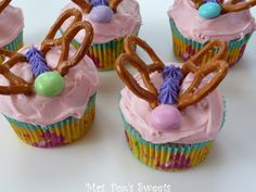 Fox\s Sweets: Butterfly Cupcakes decorating cupcakes for kids easy cupcake decorating ideas for kids Book Cupcakes, Cute Cupcakes, Cupcake Cakes, Cupcake Ideas, Spring Cupcakes, Holiday Cupcakes, Cup Cakes, Butterfly Cupcakes, Butterfly Party