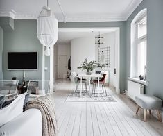 〚 Fresh and airy interior in Gothenburg sqm) 〛 ◾ Photos ◾Ideas◾ Design Home Living Room, Living Room Decor, Living Spaces, Home Interior Design, Interior Architecture, Bench Decor, Scandinavian Home, Grey Walls, Beautiful Interiors