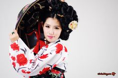Gorgeous woman and hanbok and those accesorries / S.J.N by KiJin Shin on 500px