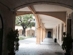 Arles.
