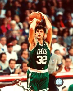 This Day In NBA History: 1993 - In Kevin McHale's last NBA game, Alonzo Mourning makes a 20-footer from the top of the key with 0.4 seconds left to give the Hornets a 3-1 series win over McHale's Boston Celtics in Game 4 of the 1993 Eastern Conference First Round.  keepinitrealsports.tumblr.com  keepinitrealsports.wordpress.com