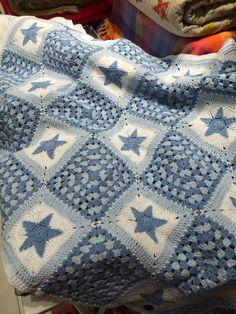 Love this blanket selling in Zara Home - Gate Mall -Kuwait Plaid Crochet, Crochet Stars, Crochet Granny, Crochet Baby, Knit Crochet, Zara Home, Manta Crochet, Afghan Blanket, Afghan Crochet Patterns