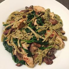 Edamame fettuccine w/ grilled chicken mushroom spinach & pesto #lowcarb #lowfat #keto #paleo #fitspo #green #healthyeating by chastityisis