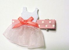 Felt Ballerina Dress Hair Clip by LilBittyBows on Etsy, $3.25 Hair Ribbons, Diy Hair Bows, Ribbon Bows, Felt Hair Accessories, Girls Accessories, How To Make A Ribbon Bow, Little Girl Crafts, Barrettes, Hairbows