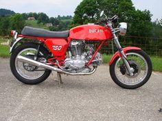 Ducati's Gran Turismo: 1971 750 GT