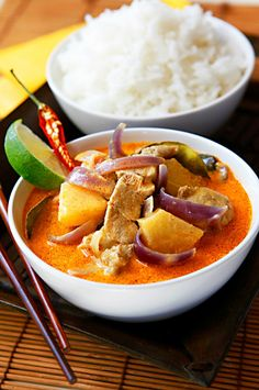 thajské curry s ananasem Asian Recipes, Ethnic Recipes, Wok, Bellisima, Baking Recipes, Tea Time, Recipies, Curry, Goodies