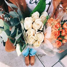 bouquets of flowers May Flowers, Beautiful Flowers, Beautiful Things, Bloom Where You Are Planted, Plants Are Friends, No Rain, Flower Market, Summer Garden, Red Roses