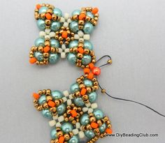 FREE Beading Tutorial ___ Beaded Motifs Are Joined to Make a Seed Bead and Pearl Bracelet ___ Motifs Can Be Used As Earrings ___ Pic Free Beading Tutorials, Beading Patterns Free, Beaded Jewelry Designs, Jewelry Patterns, Earring Tutorial, Bead Earrings, Bead Weaving, Beaded Bracelets, Pearl Bracelet