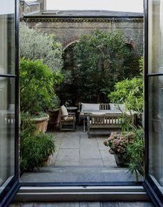 Garden Design Plans - New ideas Small Courtyard Gardens, Small Courtyards, Small Gardens, Outdoor Gardens, Roof Gardens, Garden Design Plans, Small Garden Design, Patio Diy, Backyard Patio