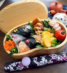 A tasty tidbits of pretty & cute Japanese bento #Japanese #bento