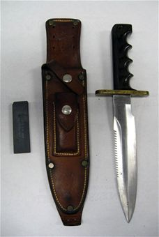 Randall Model 14 Knife with Sheath (Note: This item is currently in storage.)