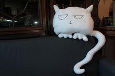 grumpy kitty :)