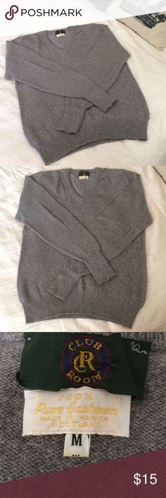 💯% CASHMERE SWEATER BY CLUB ROOM Very soft . 100% Cashmere sweater . Size medium . By club room . No flaws . Perfect condition . Wrapped and shipped with care Club Room Sweaters V-Necks