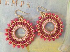 Small Hoop Earrings - Pink Berries - Multicolored Seed Bead Earrings Beadwork Small Hoop Earrings Pink Berries by WorkofHeart on Etsy Seed Bead Jewelry, Seed Bead Earrings, Beaded Earrings, Seed Beads, Beaded Jewelry, Big Earrings, Silver Hoop Earrings, Beaded Bracelet Patterns, Beading Patterns