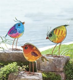 Wind & Weather Colorful Glass Bird 3 Piece Statue Set H x wColorful Glass Bird Statues Thinking about doing this with resinA new, taller twist on our Glass Bird Statues, our set of three Colorful Glass .The bird lover in your life will absolutely ado Stained Glass Birds, Stained Glass Projects, Fused Glass Art, Stained Glass Patterns, Glass Wall Art, Glass Garden, Garden Art, Garden Ideas, L'art Du Vitrail