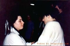 Robert Smith y Mary Poole The Cure Members, What About Bob, Robert Smith The Cure, Alternative Rock Bands, Music Lyrics, Dark Side, Growing Up, Singer, Concert
