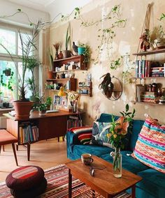 Bohemian Property Decor Structure Ideas You are in the suitable position about hippie home decor str Hippie Home Decor, Diy Home Decor, Hippie Apartment Decor, Hippie House, Vintage Apartment, Home Decor Colors, Apartment Living, Boho Living Room, Living Spaces