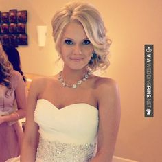 Southern wedding hairstyles, whenever I get married this is so going to be my hair style! Southern Wedding Hairstyles, Fancy Hairstyles, Bride Hairstyles, Hairstyles 2016, Bridesmaid Updo Hairstyles, Glamorous Hairstyles, School Hairstyles, Beautiful Hairstyles, Vintage Hairstyles