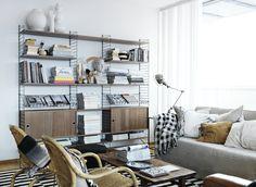 One workshop Design classic: Das String Regal Living Room Storage, Living Room Furniture, Modern Furniture, Home Furniture, Furniture Design, Living Room Modern, Home And Living, Living Spaces, Simple Living