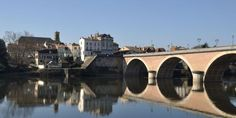 Bergerac, bridge on Dordogne river. Photo / 123RF