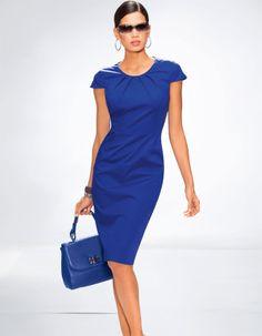 Kleid in den Farben weiß, rot, royal, schwarz - royalblau - blau - im Madeleine Mode Onlineshop
