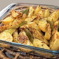 Esta receta de patatas con especias al horno se puede preparar con cualquier mezcla de especias que te guste. La receta es muy sencilla.