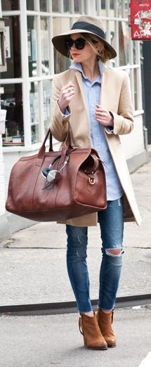 Casual + it travel bag. Street Style, Fall Fashion Trends, Airport Style, Travel Style, Travel Bag, Mode Style, Casual Chic, Passion For Fashion, Autumn Winter Fashion