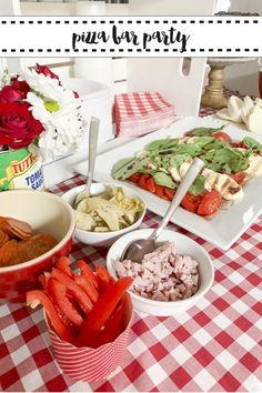 Host a fun DIY Pizza Bar Party for the pizza lover with these tips and inspiration from Everyday Party Magazine #PizzaParty #DIYPizzaBar
