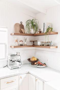 Amanda Dawbarn's ranch-style home got a complete makeover. #SOdomino #white #room #interiordesign #wall #furniture #shelf #kitchen #shelving