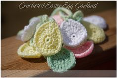 εїз Easter Egg Garland {Tutorial} These eggs look like they make up really quick and you can have a garland made in no time! I think you could prob add more rounds to them and make coasters or placemats too! Maybe stitch 2 together and stuff for an Easter basket or to hang on a cool twig tree! ¯\_(ツ)_/¯