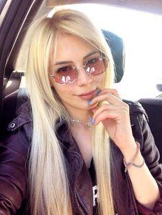 White Blonde, Youtubers, Actors & Actresses, Sunglasses Women, Sari, Celebrities, Instagram, Style, Fashion