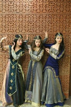 MYTHODEA Armenian National Clothing - Taraz