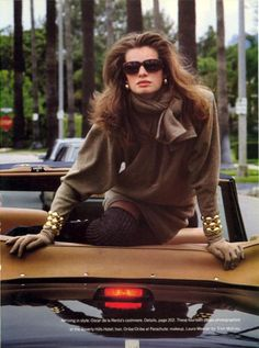 Vogue Editorial July 1988 - Cordula Reyer by Steven Meisel Vogue Editorial, Editorial Fashion, 80s Fashion, Couture Fashion, Vintage Fashion, Womens Fashion, Cuir Orange, 90s Models, Couture Mode