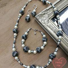 Schmuckset mit Kette, Armband und Ohrringen. Mit Glaswachsperlen und Perlen  aus Fimo. 4241d7685c