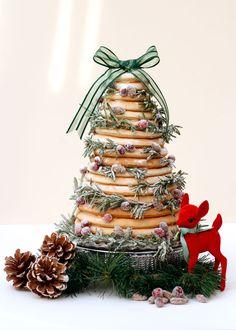 Kransekake - Norwegian Christmas wreath cake