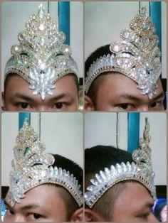 Headdress Diva Drag Queen Showgirls Cabaret Handmade for sale online Carnival Fashion, Carnival Outfits, Carnival Costumes, Dance Costumes, Cabaret, Drag Queens, Dance Outfits, Dance Dresses, Drag Queen Costumes