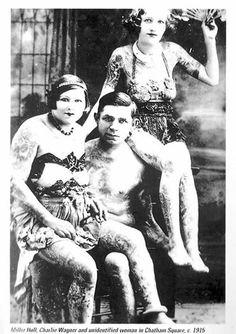 1915 photo of tattoo artists Mildred Hull, Charles Wagner and Jean Furella Carrol Source : The Vanishing Tattoo